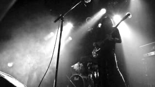 山崎怠雅 Taiga Yamazaki (Guitar、Vocal) 成毛慎吾 Shingo Naruke (...