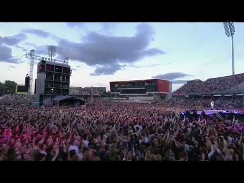 Ariana Grande | Love Me Harder (Live at One Love Manchester)