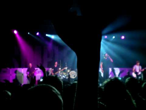 Simple Plan Your love is a lie LIVE Marseille 19/11/08