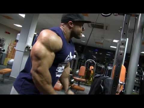 Phil Heath - Shoulders, triceps www.mozolani.com