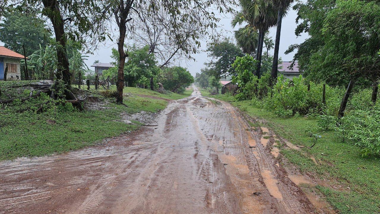 แสนลำบาก#ถนนในลาวช่วงหน้าฝน