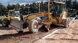 PAVEMENT CONSTRUCTION WITH GRADER!!!!!!!!!!!!