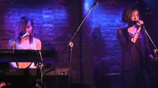 Amina Schmahl and Amanda Brown sing Adele's Someone Like You at Village Underground