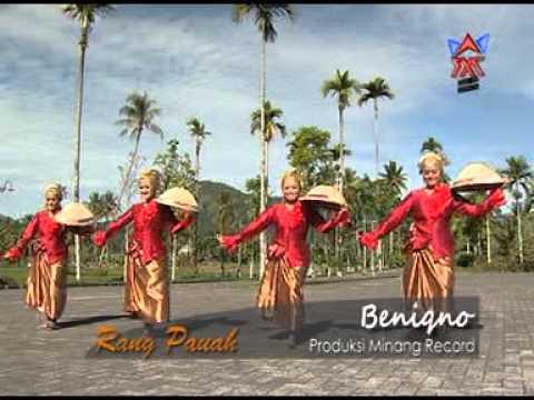 [Lagu Minang] Ria Amelia - Rang Pauah (Beniqno)