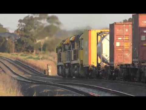 Freight Train Intermodals at Airport West - Australian Trains