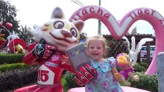 Видео для детей и малышей Настя в парке для детей Funny video for kids Play at the Park 2017