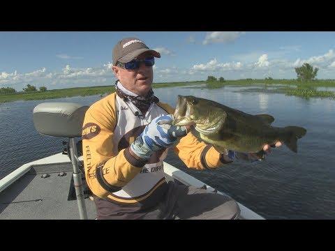 FOX Sports Outdoors SouthWEST #16 - 2018 Atchafalaya River Louisiana Largemouth Bass Fishing