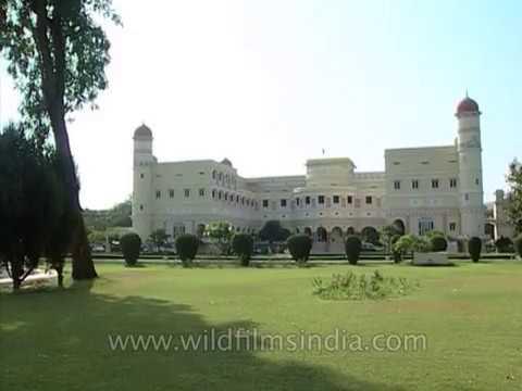 Sariska Palace hotel beyond Alwar, near Sariska Tiger Reserve