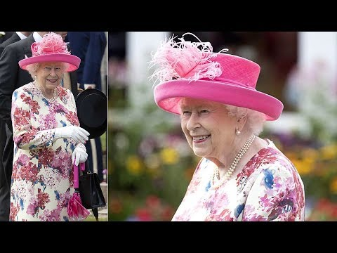 The Queen looks elegant in florals as she hosts annual summer Garden Party in Edinburgh
