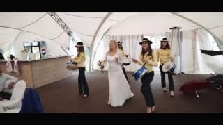 Шикарный выход невесты на свадьбе