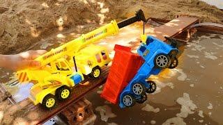 รถบรรทุกชนกันบนสะพาน รถเครนมาช่วย รถก่อสร้าง รถดั้ม รถดับเพลิง