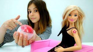 Мультики для девочек: #ЛучшаяподружкаВика делает ТАТУ для #Барби! Видео про кукол