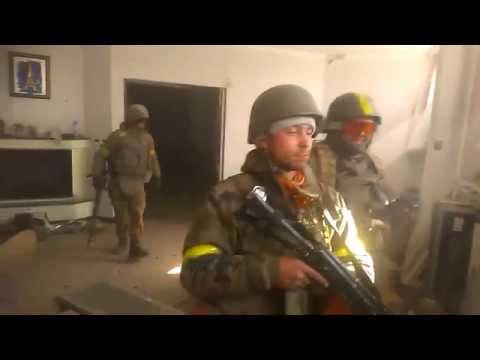 04.10.2014 Ukrainians knock out russian tank.