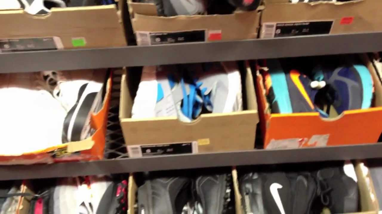 mnike outlet
