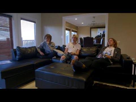 R5 talks new house And song writing |