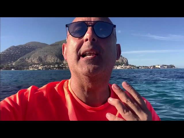 Sasà Salvaggio in canoa a Mondello +28☀️🏖 febbraio 2021