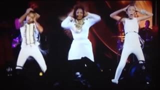 taylor hatala kyndall harris moments on janet jackson unbreakable tour