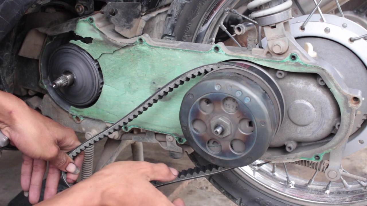 Tutorial Mengganti V Belt Yang Putus Pada Motor Mio Youtube
