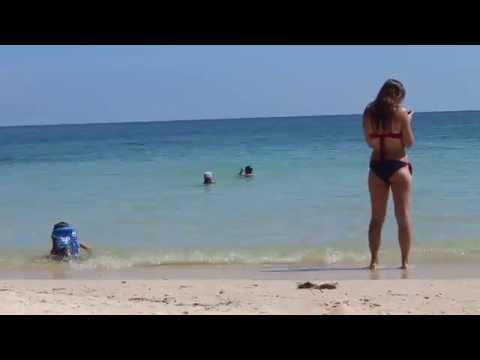 Зачем девушки фотографируются голыми на улице Стиль