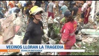 Vecinos ayudan en las labores de rescate en Marquetalia, Caldas
