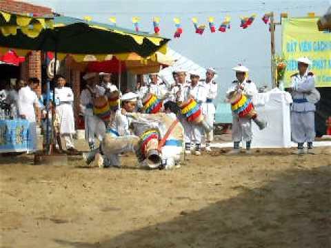 Múa Sa Dăm - Cao Đài Toà Thánh Tây Ninh.AVI