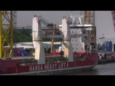 Hansa Heavy Lift Ship HHL Lagos leaves the River Tyne 1st July 2015