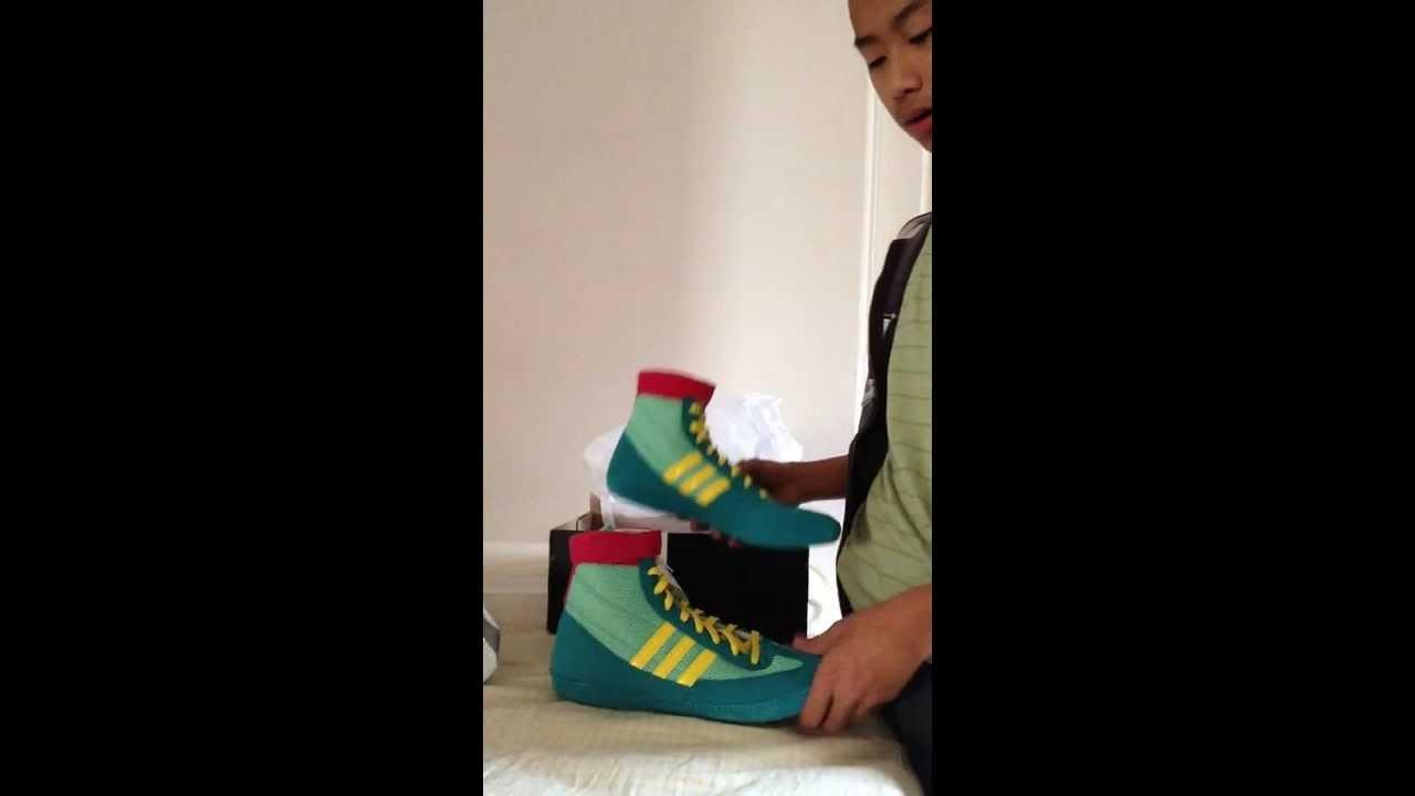 Adidas contro 4 wrestling scarpe su youtube