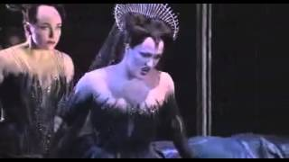 Diana Damrau as Queen of the Night  (english subtitles available)