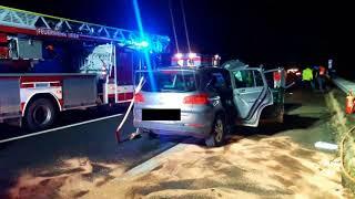 Autofahrer nach Kollision mit LKW lebensgefährlich verletzt