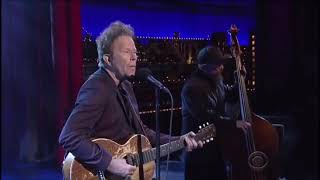 "Tom Waits - ""Take One Last Look"" (Live On David Letterman, 2015)"