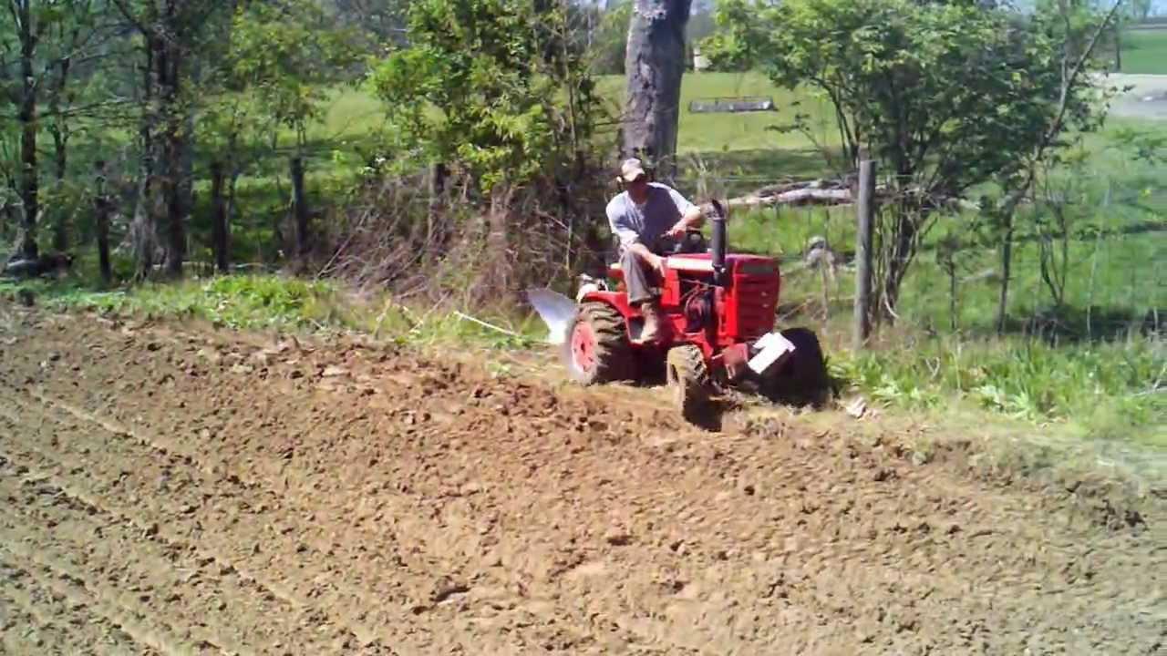 wheel horse garden tractors working