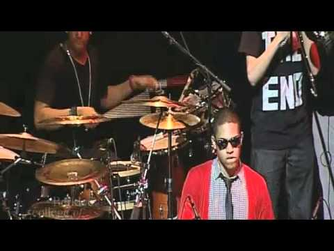 Hot Night by Meshell Ndegeocello (Berklee Neo-Soul Ensemble)