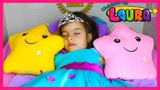 BRILHA BRILHA ESTRELINHA ! TWINKLE TWINKLE LITTLE STAR, LAURINHA PLAYS WITH FAVORITE TOYS