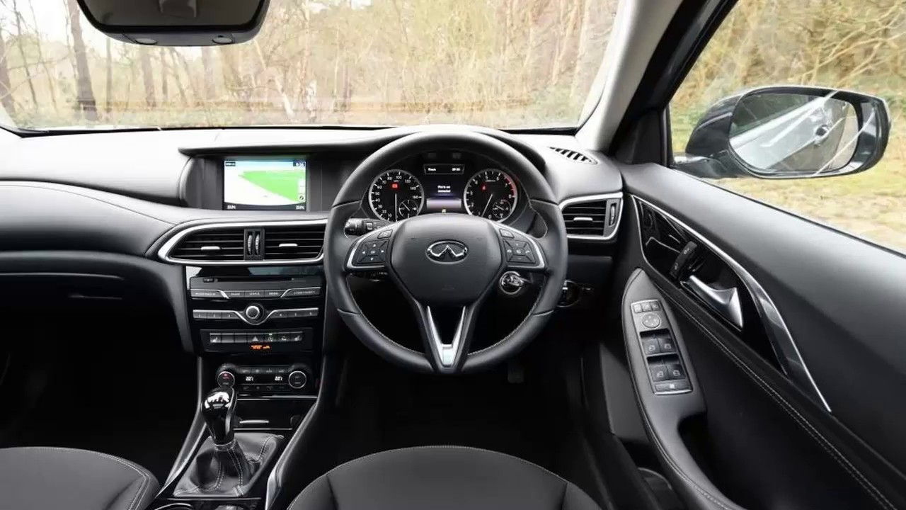 2017 Infiniti Q30 - First look review | CarAdvice - YouTube
