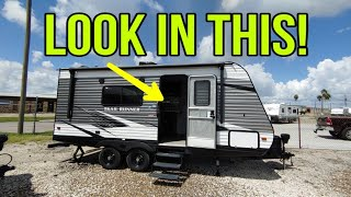 Crazy Cool Compact Travel Trailer RV! Trail Runner 181RB