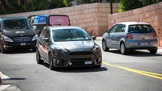 LOUD Ford Focus RS w/ Custom Exhaust - Accelerations, Revs & Crackles !