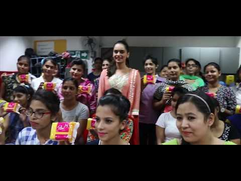 INDIA, Manushi CHHILLAR - Beauty With a Purpose