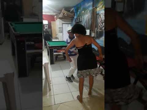 Aroxa na favela