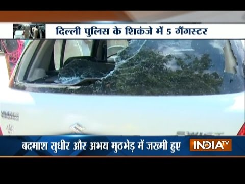 Delhi Shootout: Police Constable and 2 Criminals Injured in Rohini Shootout