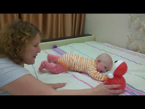 Как научить малыша ползать?  Часть 2. Упражнения