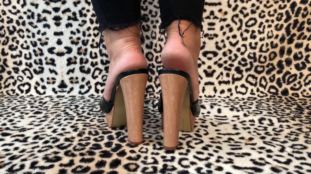 matue feet high heels mule