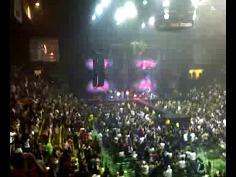 Aventura and Enrique Iglesias in Concert 8 Travel Video