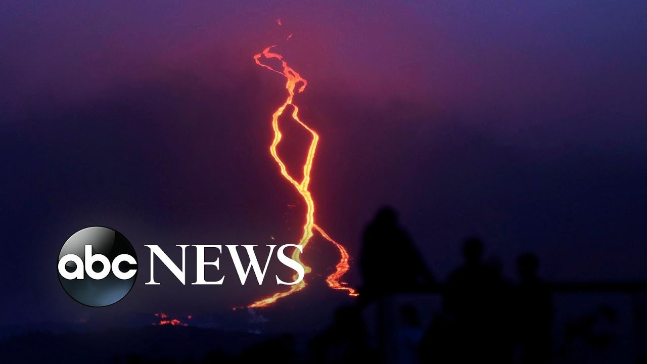 ABC News:World in Photos: Lava, ballet and stars