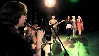 Video ZLATOPIS - Kukuriku juris! (Kolo) LIVE download MP3, 3GP, MP4, WEBM, AVI, FLV Juli 2018