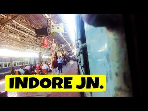 Arriving INDORE JN : ET WAM-4 with Jabalpur - Indore Express.