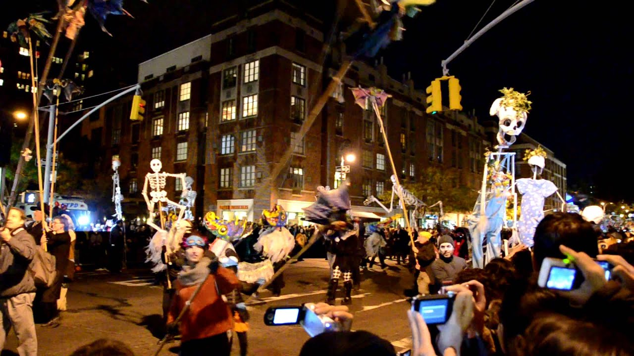 Nyc 39 s village halloween parade 2011 youtube for The village nyc