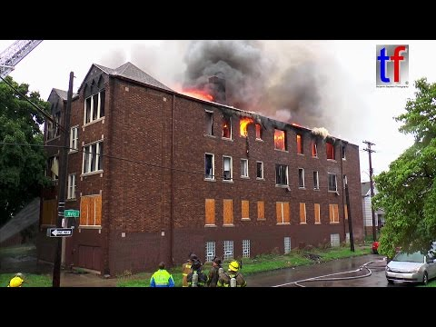 Detroit Fire Department: Apartment Building Blaze, Elsemere & Lane, USA,  08/20/2016.