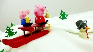Видео для детей. Свинка Пеппа, Джордж и Снеговик! Видео игрушки.