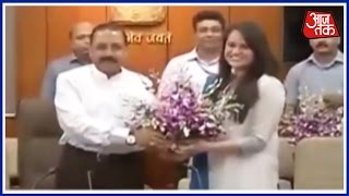 UPSC Toppers Welcomed In PMO