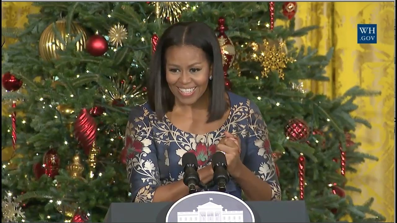 michelle obama welcomes military families to view holiday decorations - Obama Christmas Decorations
